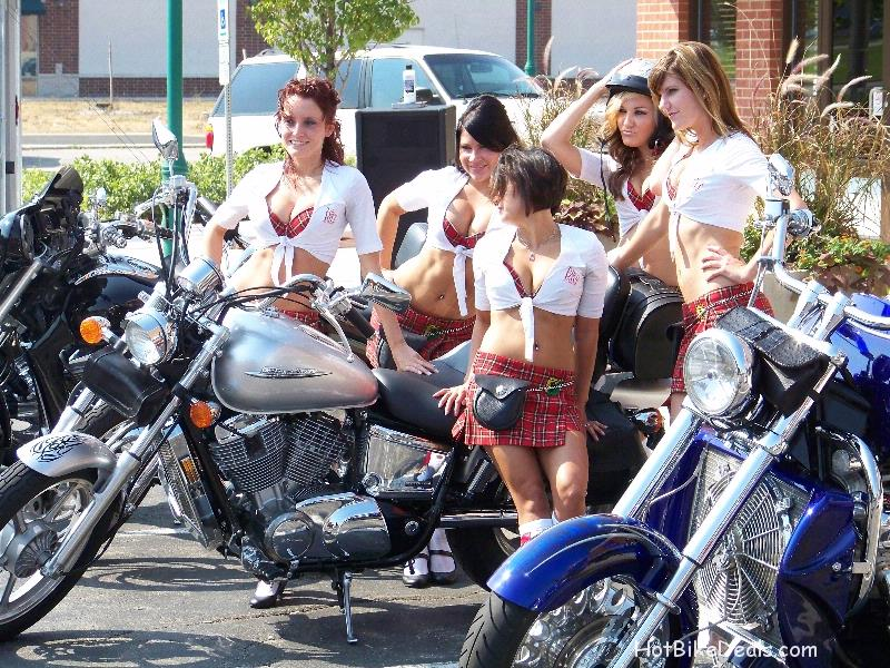 Here are my pictures and videos from the 2nd Monthly Tilted Kilt Bike show in Woodridge Illinois.  The turnout was incredible with more than 250 bikes!  The bikes kept coming in waves and the resturant could barely keep up.  Between myself, and two of the other photographers we'll be putting up nearly 1500 pictures not to mention the other cameras which kept clicking throughout the morning.  Miss the show?  See what you missed!  If you don't like my pictures, check out Norms or Chads pictures.  They have much better cameras and 5 times more pictures!