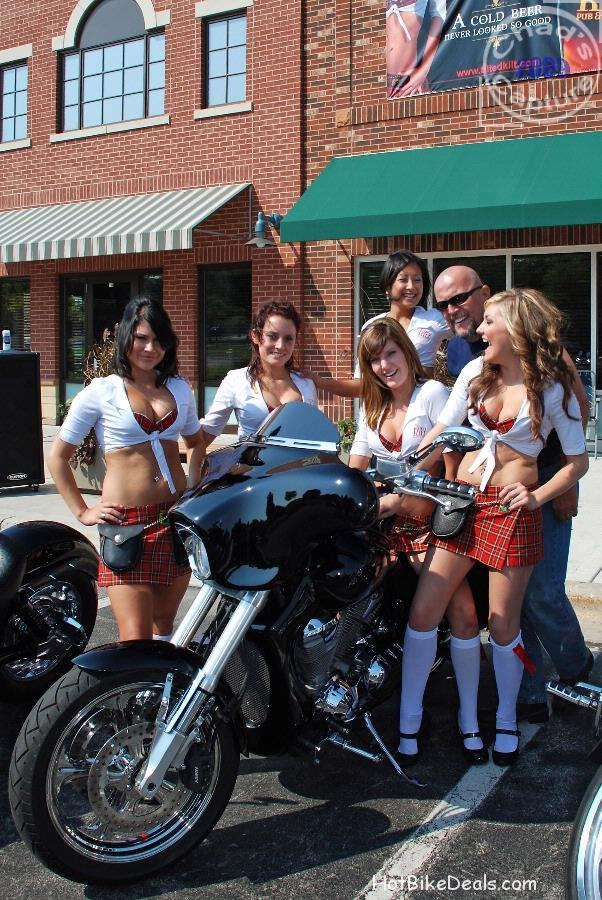 The Tilted Kilt bike show had an amazing turnout.  So many great bikes and people in one place.