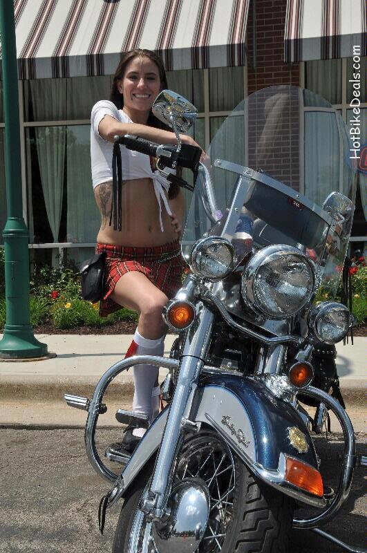 Here are the pictures from the first Tilted Kilt Bike show of the year.  It took place today from 11:00-3:00 in the afternoon.  There were 5 plaques awarded to the best Import, Domestic, Modified, Stock, and Ladies Choice Bikes.  The stock award went to a 1967 FLH Softtail which was a really good runner.  A 43 year old bike that was 3 years older than it's owner!  Lots of great pictures taken here.  Enjoy!!!
